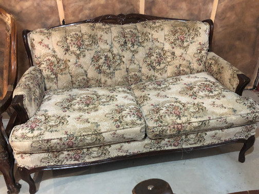 Reproduction Love Seat