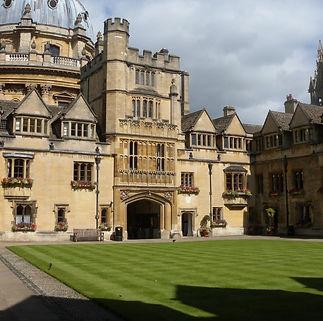 Literary Oxford Tour
