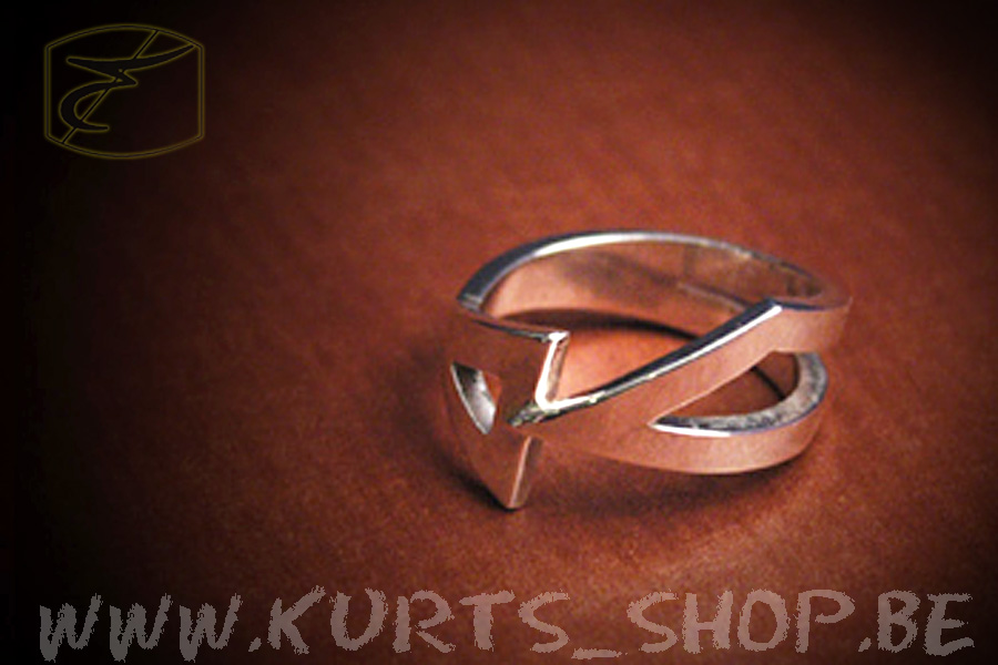 925 ring driehoeken1 (2)