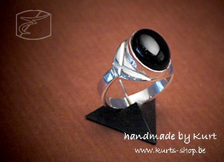 925 ring man zwarte ovaal cab onic 12x9mm 2 frank