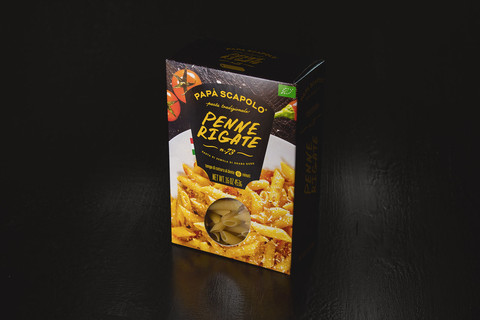 Creative packaging of pasta penne rigate Papa Scapolo by ZBS BRANDS.