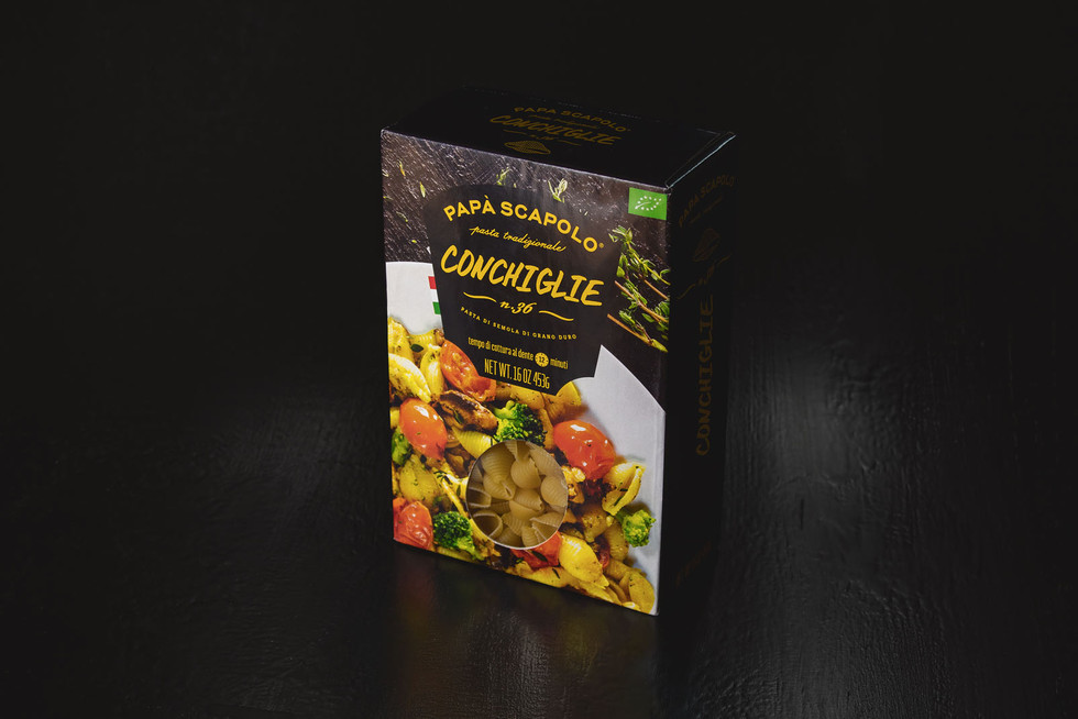 Creative packaging of pasta conchiglie Papa Scapolo by ZBS BRANDS.