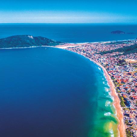 Prefeitura planeja alargamento de faixa de areia em três praias de Florianópolis.