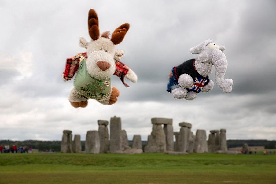 Flying Nikki  Flying Hugo Stonehenge
