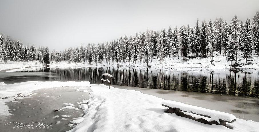 Lago d'Antorno tief verschneit