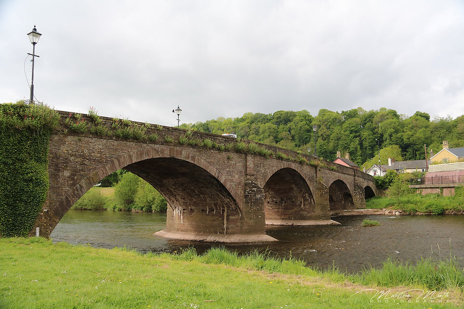 die alte Steinbrücke in Usk