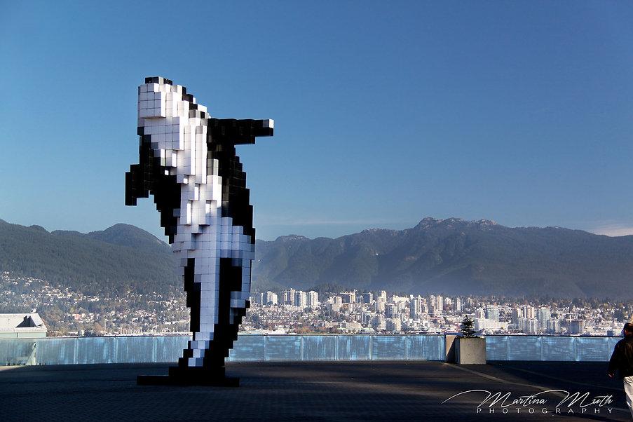 Digital Orca vonDouglas Coupland, Coal Harbour, Vancouver