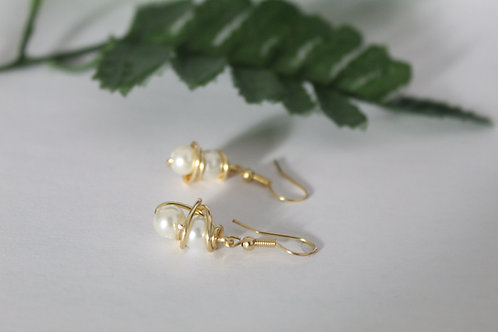 Ivory White Mini Wire Wrapped Peal Earrings