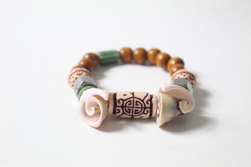 Shells & Hex Nuts Boho Inspired Stretch Bracelet