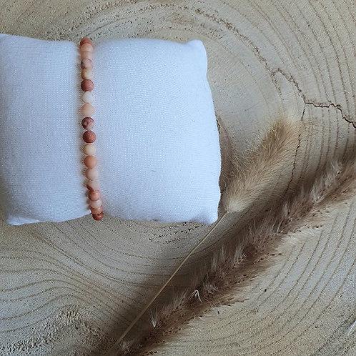 Armband frosted zalm roze Jade kralen