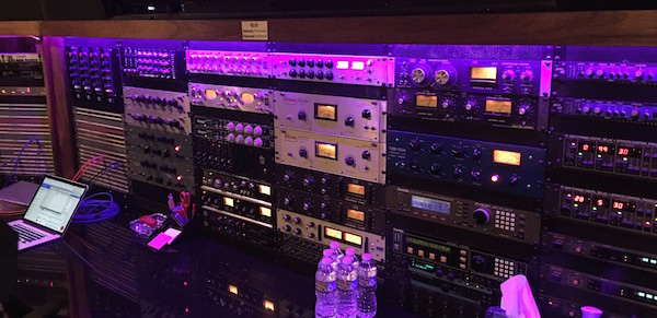 Outboard-Gear-at-Paramount-Recording-Stu