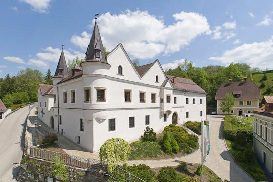 Castle Weyer.jpg