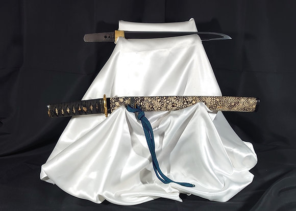 (銘)兼春 黒塗研出鮫鞘小さ刀拵付短刀