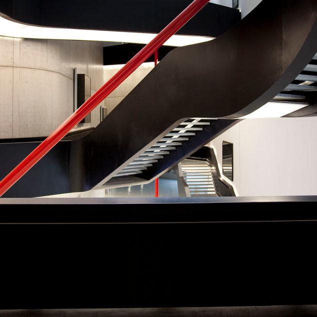 Rette di Luce nell'iperspazio curvilineo, 2011