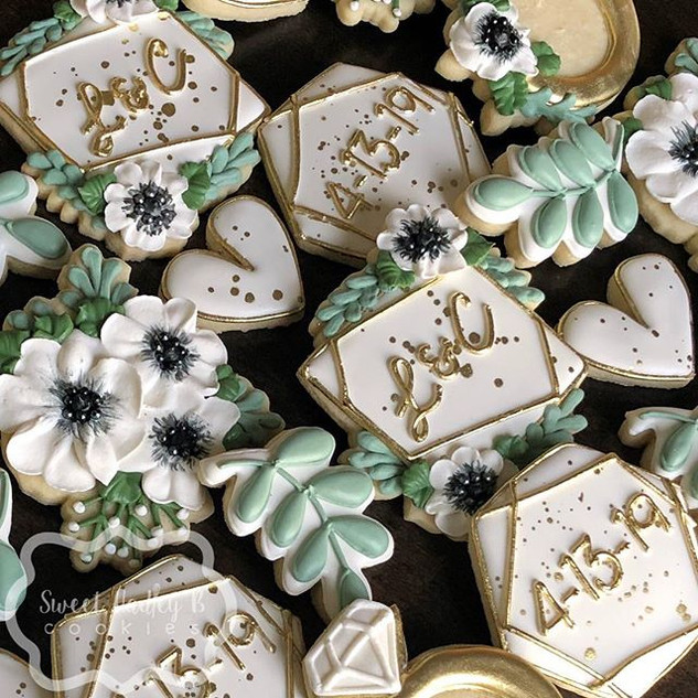 I loved these bridal shower cookies! Mak