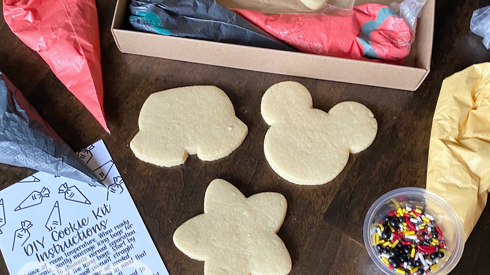 Mickey decorating kit