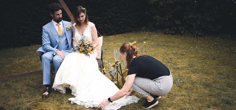 Jouw Trouwmakelaar aan het werk op bruiloft