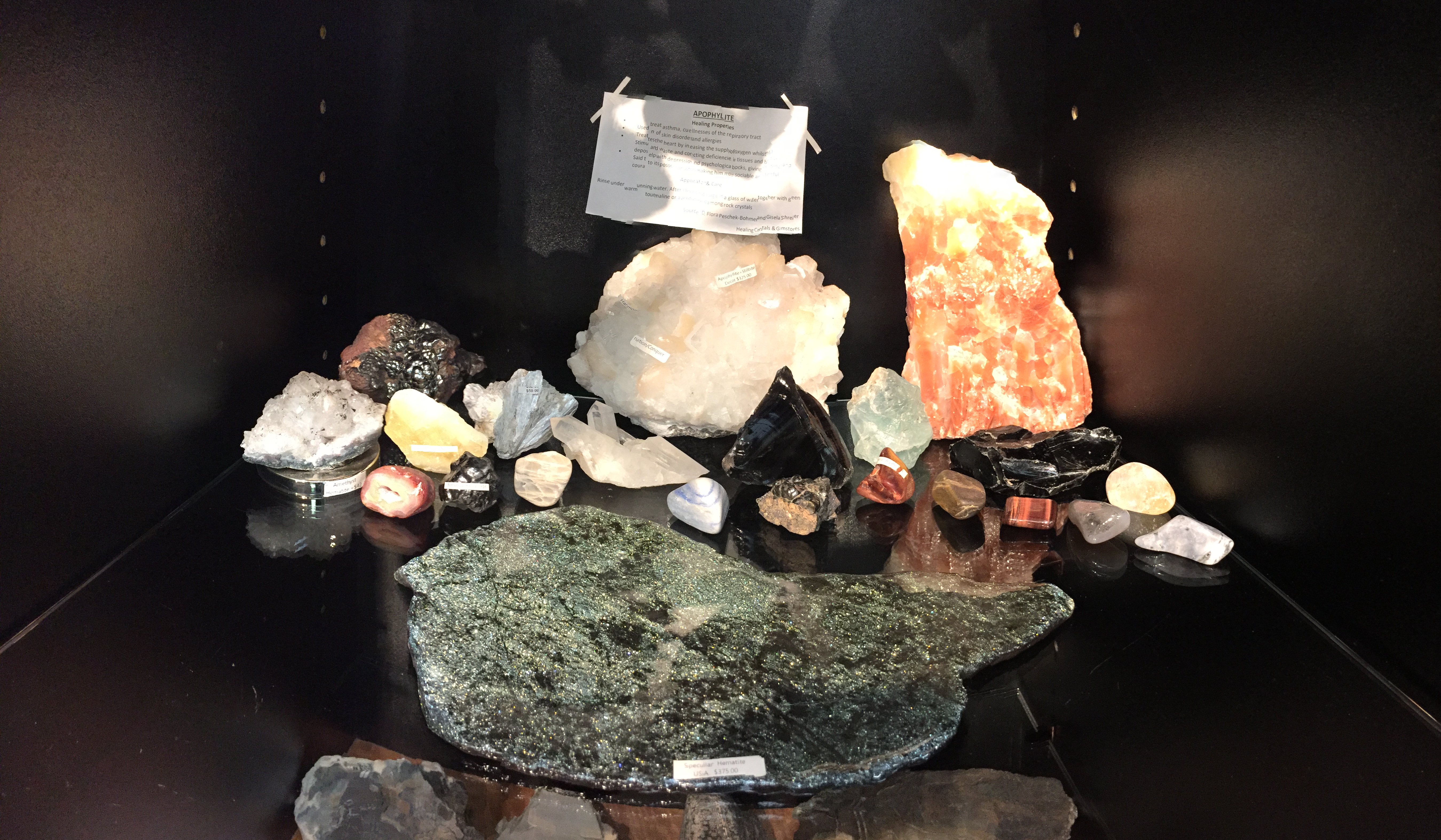 calcites and raw crystals