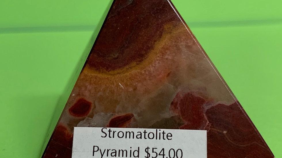 Stromatolite pyramid