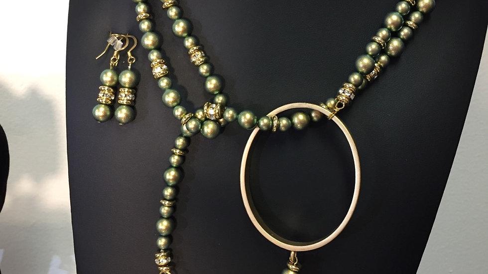 Swarovski pearls necklace