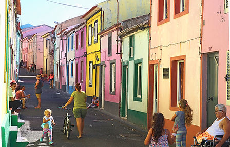 Fishermen's village, Azores, photo by Roland Henrion