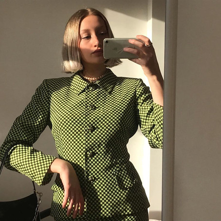 @DAISYVMOORE LETS US INTO HER VINTAGE WARDROBE AND SHARES HER MOST LOVED DEPOP SHOPS