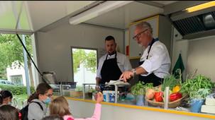 """🌎 News: """"Brotkorb Gourmet"""" an der Schule im Süden"""