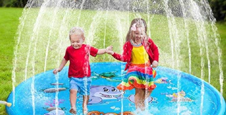משחק מים מתנפח מטריף לילדים מתחבר בקלות לכל צינור גינה