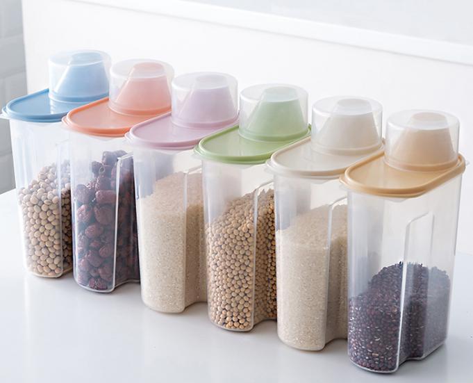 סט 4/6 אחסוניות גדולות, אטומות ושקופות למטבח ומכסה המשמש ככלי מדידה
