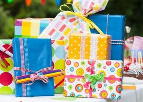 landscape-1508356540-index-kid-gifts.jpg