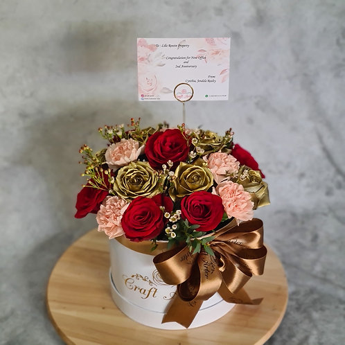 Red n Gold Roses w/ Peach Carnation in D20