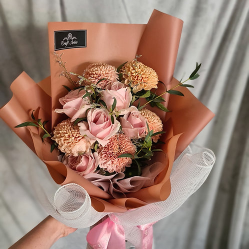 Soft Gompie & Pink Roses