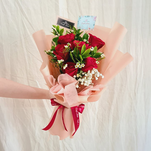 6 roses bouquet in red