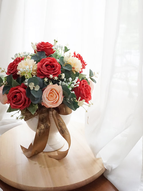Red & Peach Round Table Flower