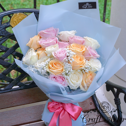 20 classic 3 tone pastel roses