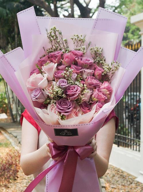 Sweet purple rose bouquet