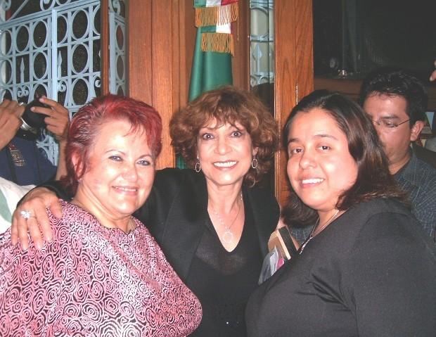 Con Rosalía Buaún y Cristina Pacheco