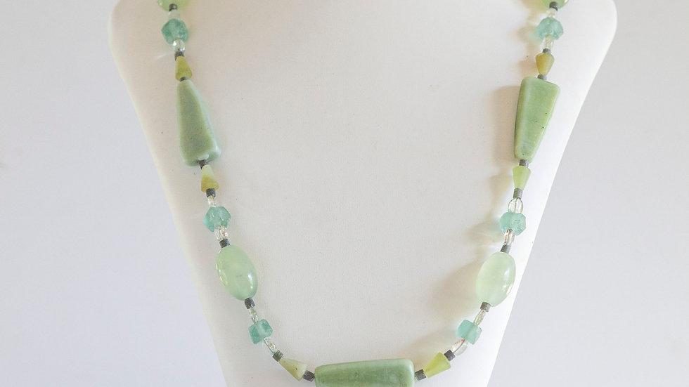 Retro Soft Green Necklace