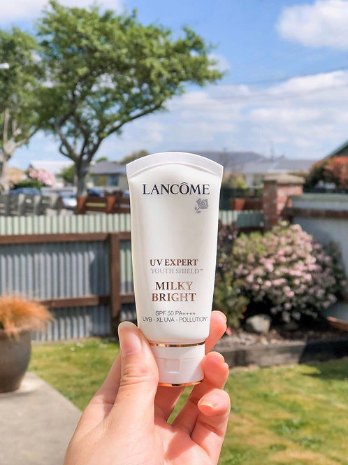 Lancome UV EXPERT YOUTH SHIELD™ MILKY BRIGHT  全方位防禦抗曬乳霜 SPF 50 / PA ++++
