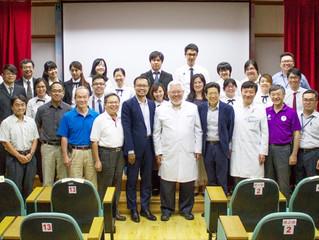 嚴長壽與蔡致中的大師講堂對談──台北市立聯合醫院
