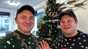 Penrith chippy sets up gifting tree to spread Christmas cheer