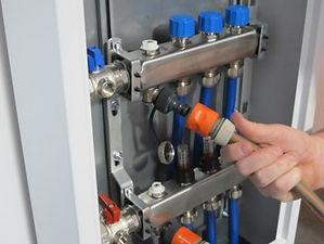 11 filling manifold via lower valve.jpg