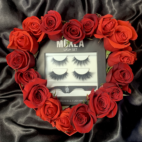 MOXLA ROSES & LASHES HEART BOX