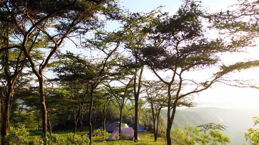 SansaTravel_camp.jpg