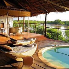 Luxury_Safari_lodge.jpg