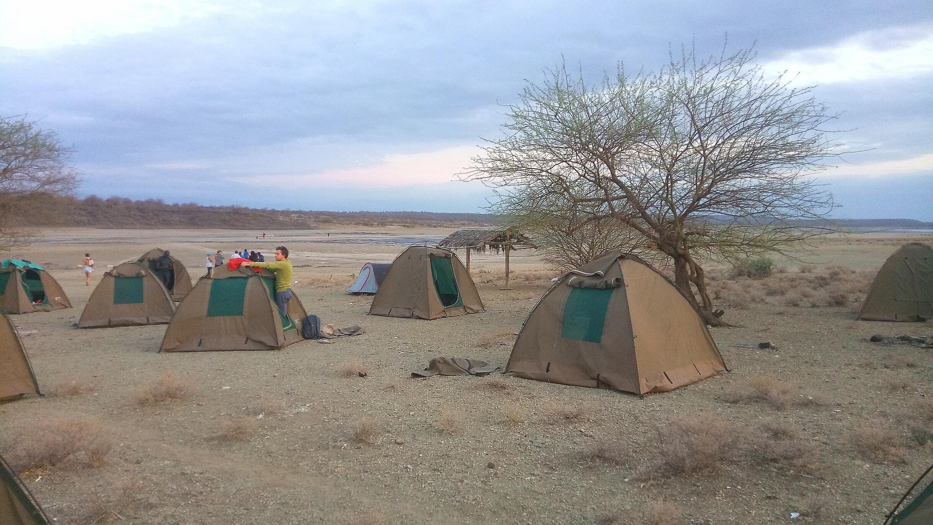 SansaTravel_tent_Camp.jpg