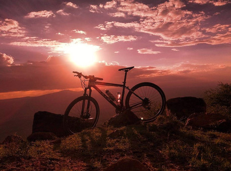 SansaTravel_MTB-Sunset.jpg