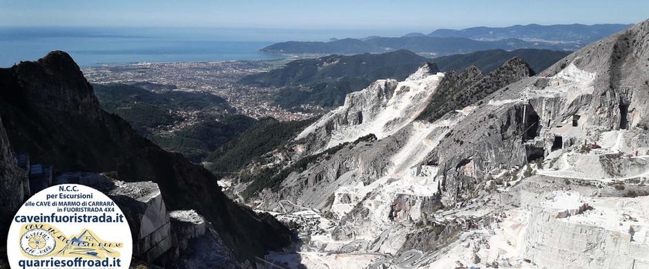 cave_di_marmo_di_Carrara_in_fuoristrada_