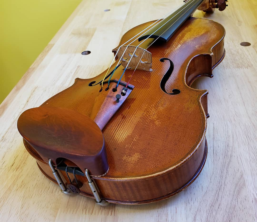 Pernambuco tailpiece & tailgut adjust on a David Wiebe violin