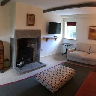 butts-farm-sitting-room-400x400.jpg